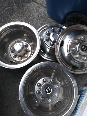 Wheels cover for Sale in Monroe, WA