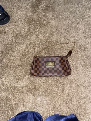 Louis Vuitton hand bag for Sale in Tacoma, WA