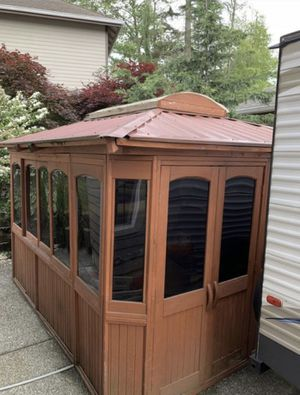 Hot tub gazebo. for Sale in Everett, WA