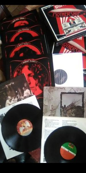 Led Zeppelin Awesome collection of 2 LP Vinyl Albums & Rare 4 Record Box set for Sale in San Bernardino, CA