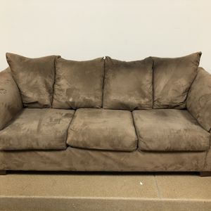 Living Room Couch + FREE DELIVERY 🚚 for Sale in Northbrook, IL