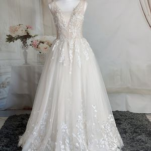 Luxury Beading Lace Embroidery V Neck A-line Romantic Floral Weding Dress/ Quinceanera&Sweet 16 Dress for Sale in Fort Lauderdale, FL