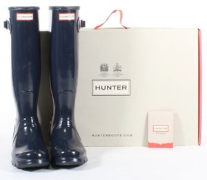 Hunter Women's Original Tall Gloss Rain Boots Navy Blue Winter Size 7 & 8 NEW IN BOX for Sale in Marysville, WA