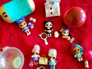 LOL 4 Dolls, 1 pet and many accesories in excellent condition for Sale in Pflugerville, TX