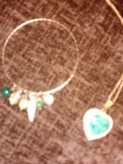 Necklace And Bracelet Great Condition for Sale in Spartanburg,  SC