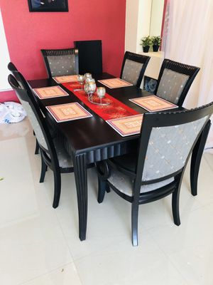 Dining table with extension and 6chairs for Sale in FL, US