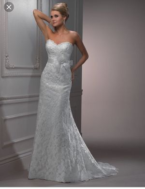 Bridal Gown- Wedding dress Maggie Sottero for Sale in Miami, FL
