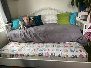 Twin size double day bed for Sale in Everett, WA