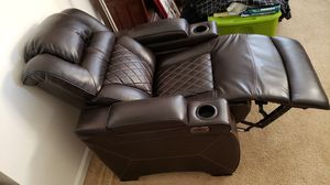 Leather recliner couch set for Sale in Jessup, MD