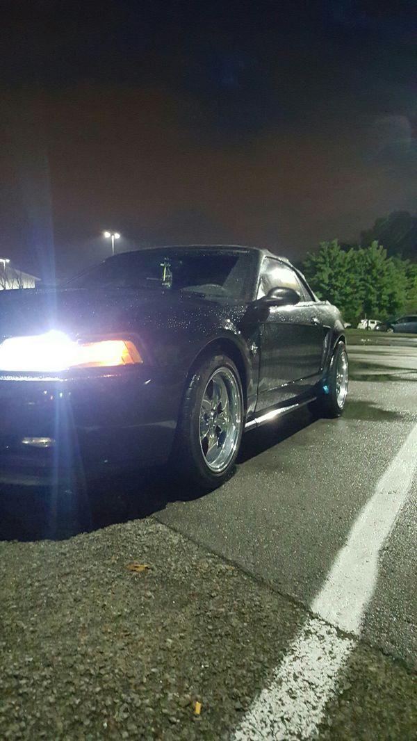 "Mustang wheels 18"" good tires"