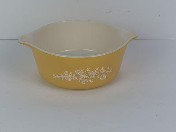 Vintage PYREX Casserole Dish 472-B BUTTERFLY GOLD 750 ML