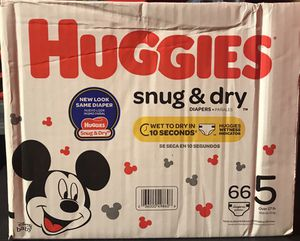 Huggies Size 5 $18 firm for Sale in Miami, FL