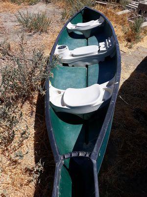 15.6 ft Canoe for Sale in Lemoore, CA