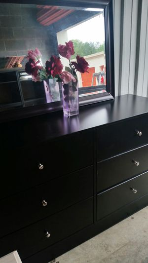 IKEA BLACK DRESSER 6 DRAWERS WITH MIRROR ALL DRAWERS SLIDING SMOOTHLY for Sale in Fairfax, VA