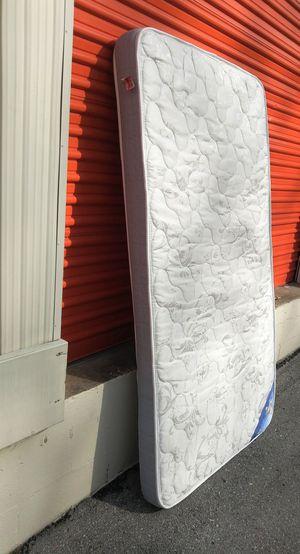 Like new twin sz mattress for Sale in Nashville, TN