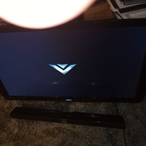 55 Inch Vizio TV And Vizio Sound Bar Only $175 for Sale in Clearwater, FL