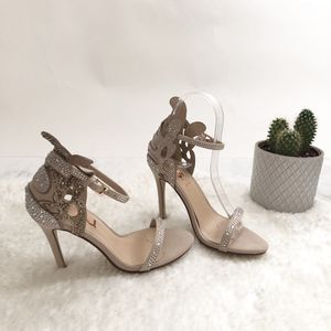 Size 4.5 Beige Wedding Shoes High Heel for Sale in Las Vegas, NV