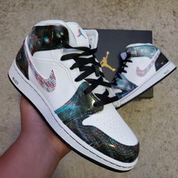 BRAND NEW AIR JORDAN 1 MID TAKE FLIGHT GS SZ, 7Y $200 DM TO PURCHASE for Sale in Las Vegas,  NV