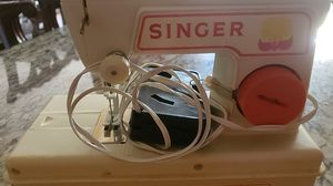 Free !! Juniors singer Sewing machine for Sale in Anderson, SC