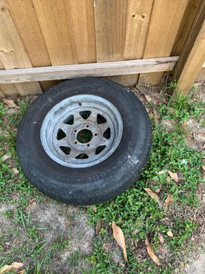 205 75 14 Trailer rim and tire for Sale in Seffner, FL