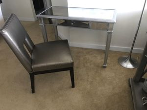 Pottery barn desk and chair for Sale in West Palm Beach, FL