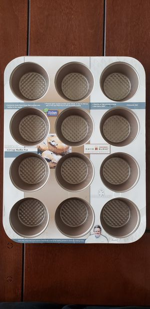 David Burke 12 Cup Muffin Commercial Bakeware Pan - 2¾ x 1¼ for Sale in Los Angeles, CA