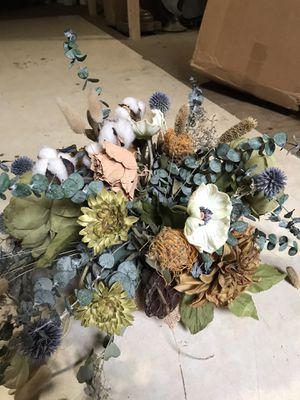 Artificial floral arrangement / centerpiece for event or wedding for Sale in Anaheim, CA