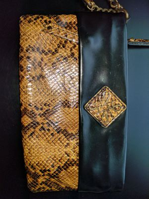 Vera Wang wristlet for Sale in Rockville, MD