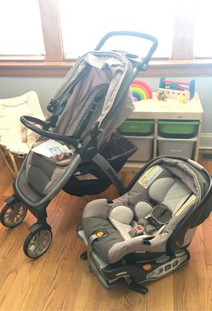 Chicco Bravo Trio Travel System with Full Size Stroller, Convertible Frame Stroller, One-Hand Compact Fold, Extendable Canopy and KeyFit 30 Infant Ca for Sale in Stickney, IL