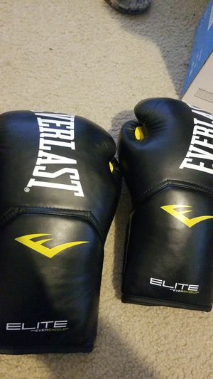 Everlast boxing gloves for Sale in Corona, CA
