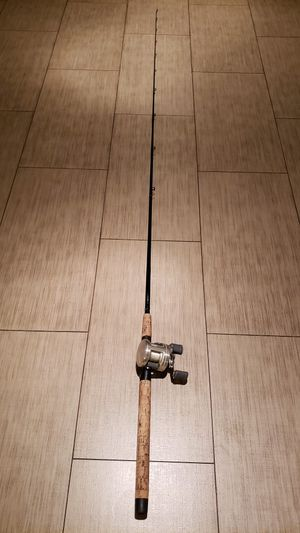 Shimano Calcutta 200 with G-Loomis GL3 MBR844C 7' Fishing Rod for Sale in Walnut, CA