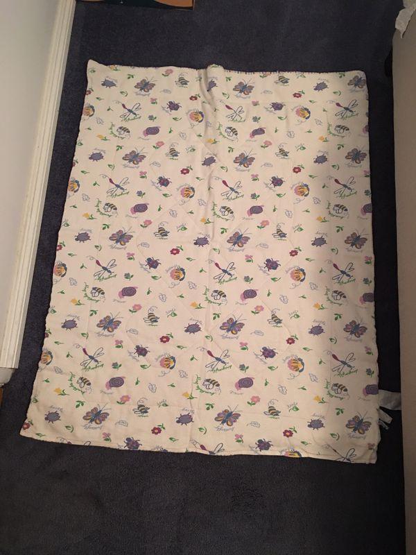 Baby crib comforter