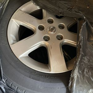 3 Nissan Ultima Tires 2005 for Sale in Long Beach, CA