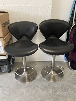 Kitchen leather stools for Sale in Miami, FL