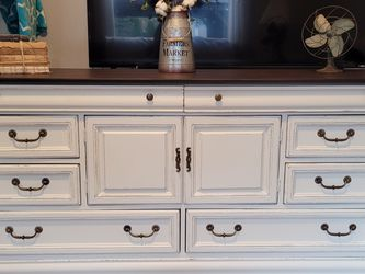 Dresser / Buffet Refinished for Sale in Sumner,  WA