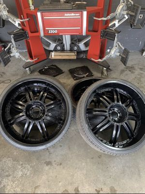 Set of used black 26in rims and tires for Sale in Largo, FL