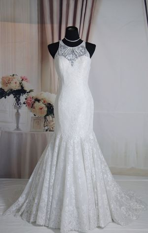 Lace mermaid/Trumpet wedding dress with open back, size 4-6 for Sale in Davie, FL