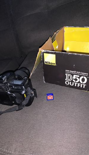 Nikon D50 Outfit Camera for Sale in Runnemede, NJ