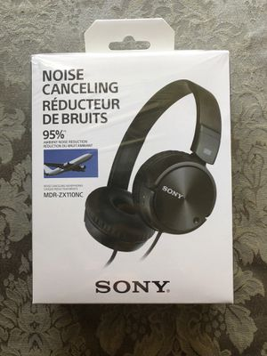 Sony Noise Canceling Headphones for Sale in North Olmsted, OH