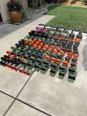 136 plastic containers/pots for seedlings 🌱, plants,flowers, succulents etc... $20 takes all for Sale in Manteca, CA