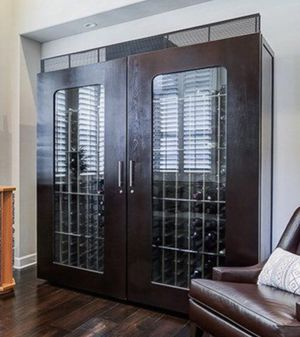 Le Cache Contemporary 5200 Wine Caninet for Sale in HUNTINGTN BCH, CA