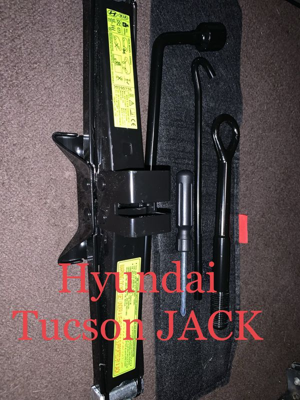 Jack and tool set out of a 2019 Hyundai Tucson