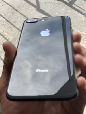 IPhone 8 64gigs for Sale in Chino Hills, CA