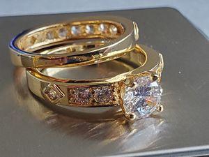 🎄💍14KT YELLOW GOLD 2 PCS 2.16CT DIAMOND RING SET SIZE 7.5 for Sale in Las Vegas, NV