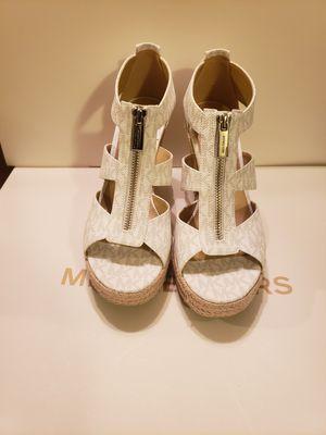 Zapatos Michael kors originales nuevos for Sale in Garden Grove, CA
