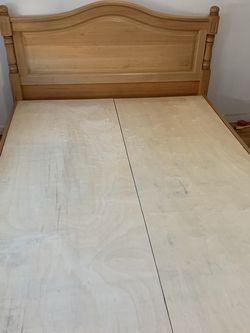 Queen size mattress and bed frame for Sale in Brooklyn,  NY