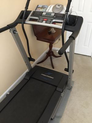 Pro form 415 crosswalk treadmill for Sale in Virginia Beach, VA