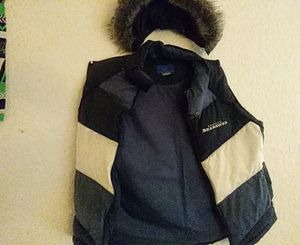 Ladies detachable SEAHAWKS FUR HAT & VEST for Sale in Seattle, WA