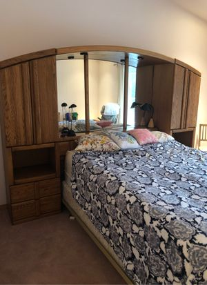 King sized Master Bedroom set for Sale in Wenatchee, WA