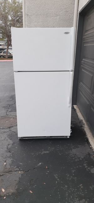 Really nice refrigerator in excellent condition for Sale in Ontario, CA
